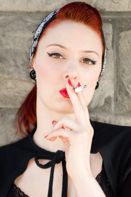 solidimages:  Anna smoking