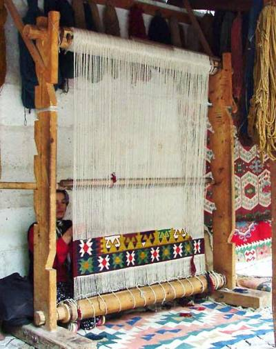 palemauve:  Weaving Kilim- vertical loom