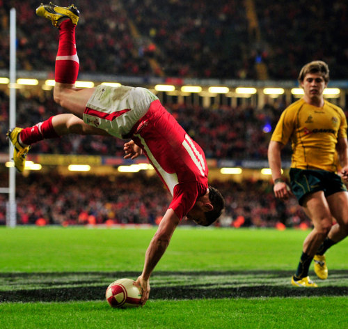dropgoal:  Shane Williams celebrates his last try for Wales in his last minute of international rugby, Wales v Australia, Millennium Stadium, Cardiff, Wales, December 3, 2011.