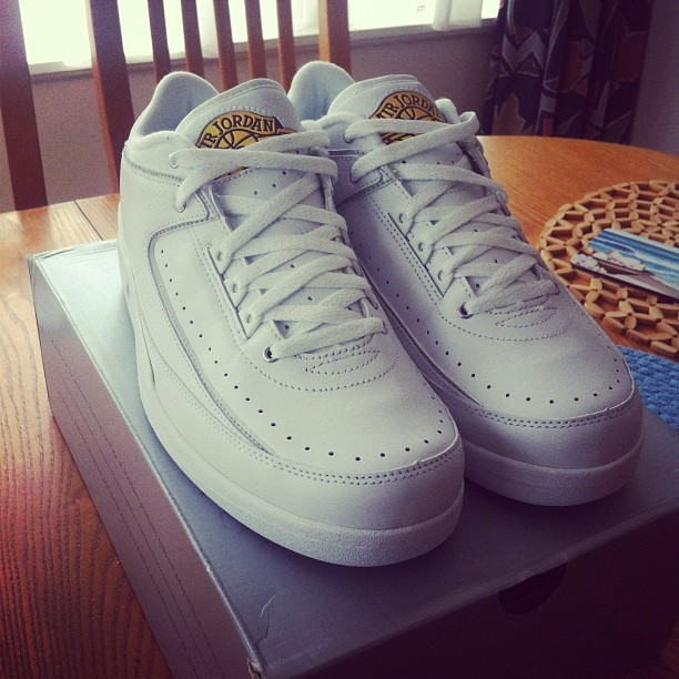 djsirvere:  I need to un-DS these AJII low love #sneakerhead #jordan #aj #sneakerlove #kicks #godabulls (Taken with instagram)