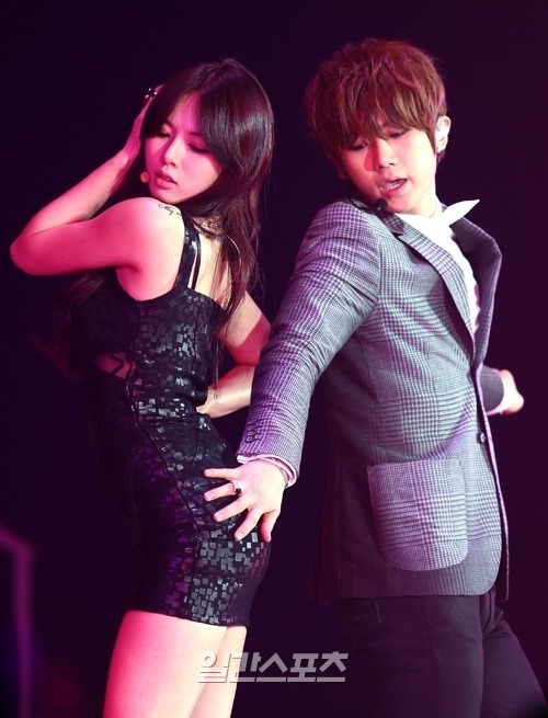 welcome-to-kpop-girls-life:  [PIC]Official – JS & HyunA at The 26th Golden Disk Awards