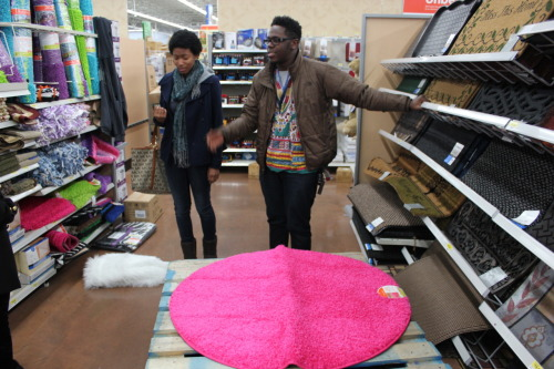 Da bull Hez was getting kinky when we went rug shopping lol