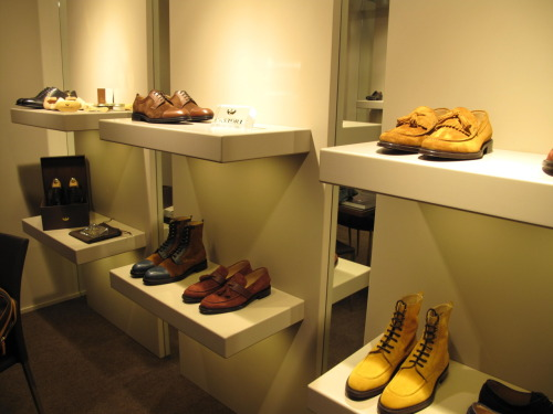 Italian footwear that uses Horween?  Yes, please.   Castori is like a non-whack version of Mauri's.  Basically, if Cam'Ron had any taste whatsoever, he'd be all over that.  They've only been around for five years and have expanded to five different countries.  I'm hoping they hit the US sometime in the near future.