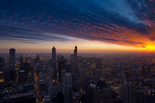 Chicago Sunset (by PeteTsai) | chicago illinois sunset chicago sunset clouds downtown skyscrappers