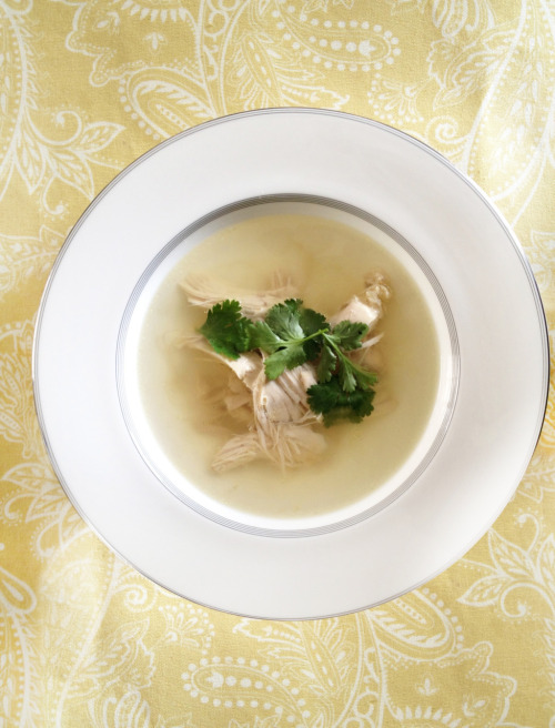 Recipe - Cleansing Ginger-Chicken Soup recipe Photo and full recipe found over athttp://www.freutcake.com/in-the-kitchen/restorative-broth  Via - freutcake