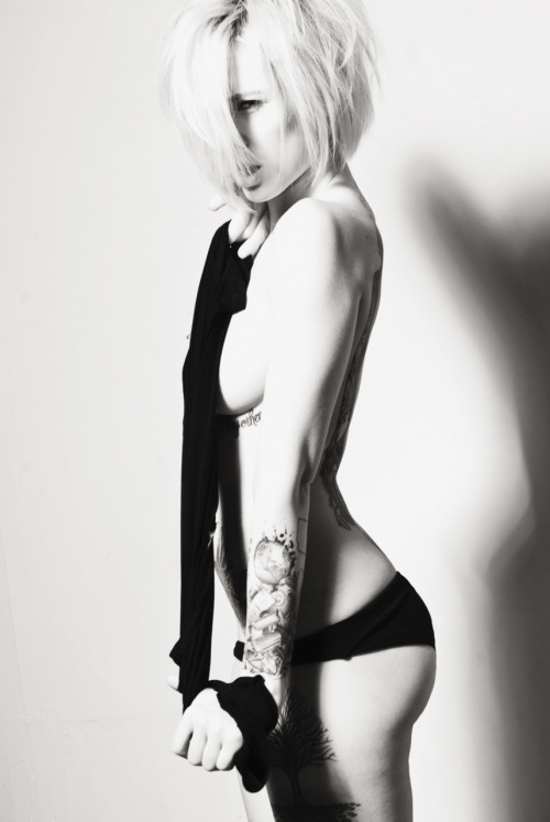 alysha:  alysha nett / kenny sweeney it was so fun working with him. hope i get to at least once more before i leave LA.