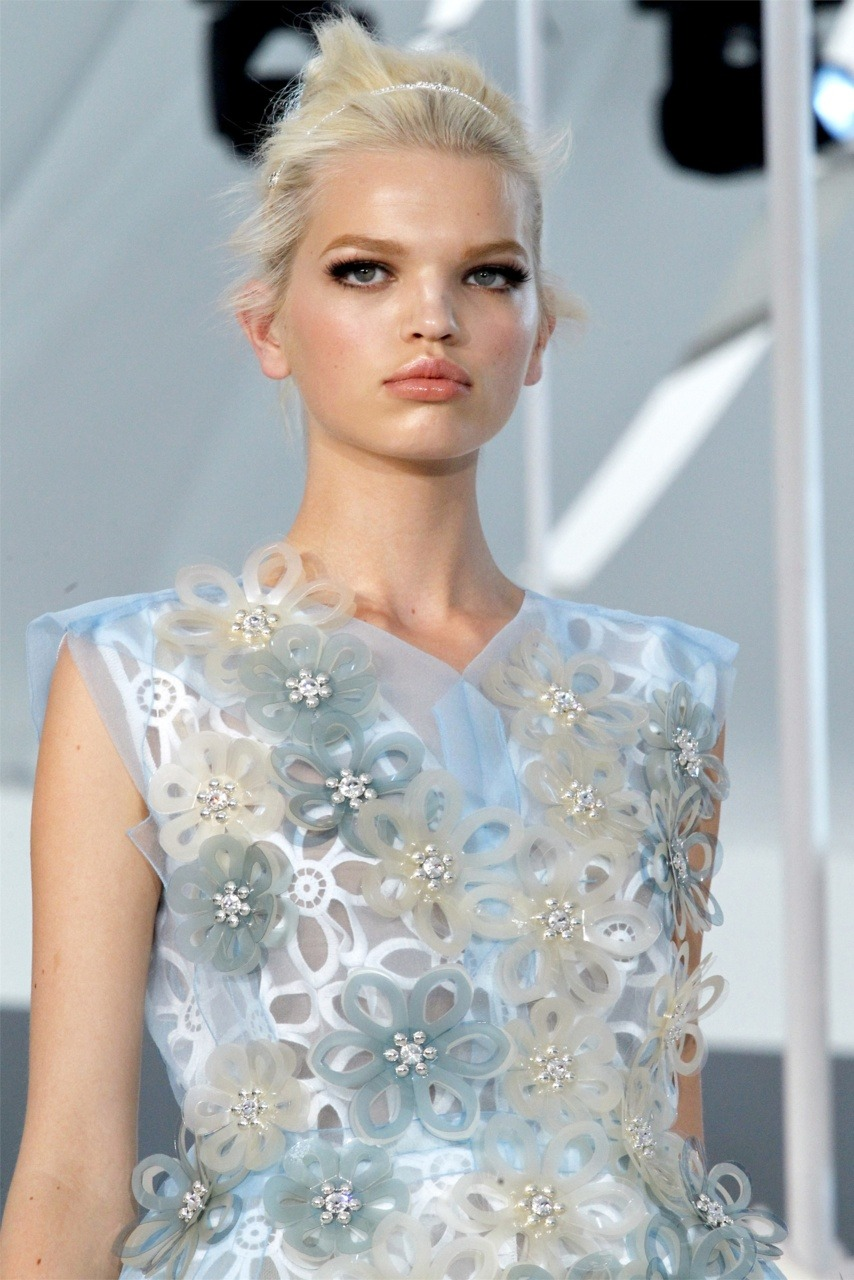 Daphne Groeneveld is a doll in Louis Vuitton ss12.