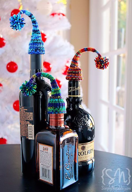 truebluemeandyou:  DIY Free Pattern for Stocking Hats for Bottles. I know the holidays have past, but these are really bright and cheerful and could go on the top of any bottle - expensive shampoo, old fashioned glass bottles, etc… I'm going to knit these for next year because they are that easy. Tutorial and pattern (and PDF download if you want) from Simply Notable here.