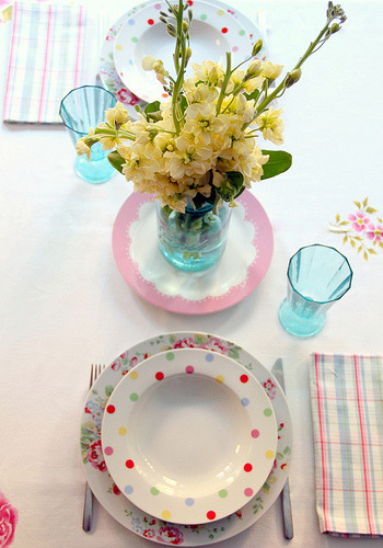 konfetti:  Lunch table - mostly Cath Kidston items (by citrusandorange)
