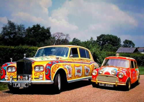 silverhairspray:  John Lennon's Rolls-Royce and George Harrison's Mini painted by The Fool