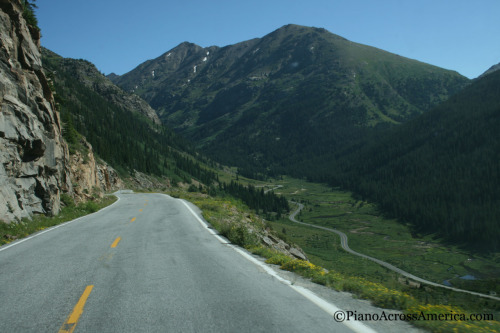 pianoacrossamerica:  One of the most Beautiful roads of America, Independence Pass in Colorado. At one point the road width becomes so small, only one car can pass or else someone is going down a cliff. Look at how the road winds like that. I pulled over to the side and spent 20 minutes enjoying that view. Breathtaking! August 16, 2011