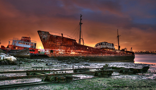 Ship Graveyard (by pedro vidigal)