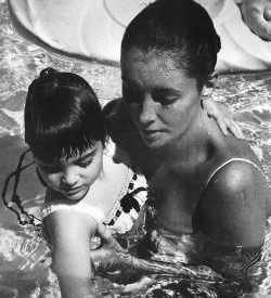 "likeadoll:  Elizabeth Taylor and Liza Todd, 1959. Photographed by Yul Brynner   ""I adored your father and knew him quite well for many years. In fact, Richard and I were neighbors of your parents in Beverly Hills, so we would see each other often. I never used to let anyone photograph me off the set and with no make-up, but I trusted Yul and knew he would never take advantage of me. He had such a charm that you felt complimented when he took your picture."" — Elizabeth Taylor to Victoria Brynner"