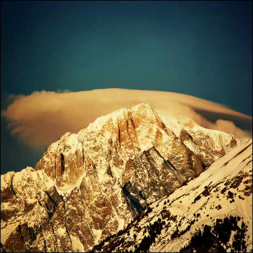 Golden morning over Mont Blanc by Katarina 2353 on Flickr.Golden Morning.