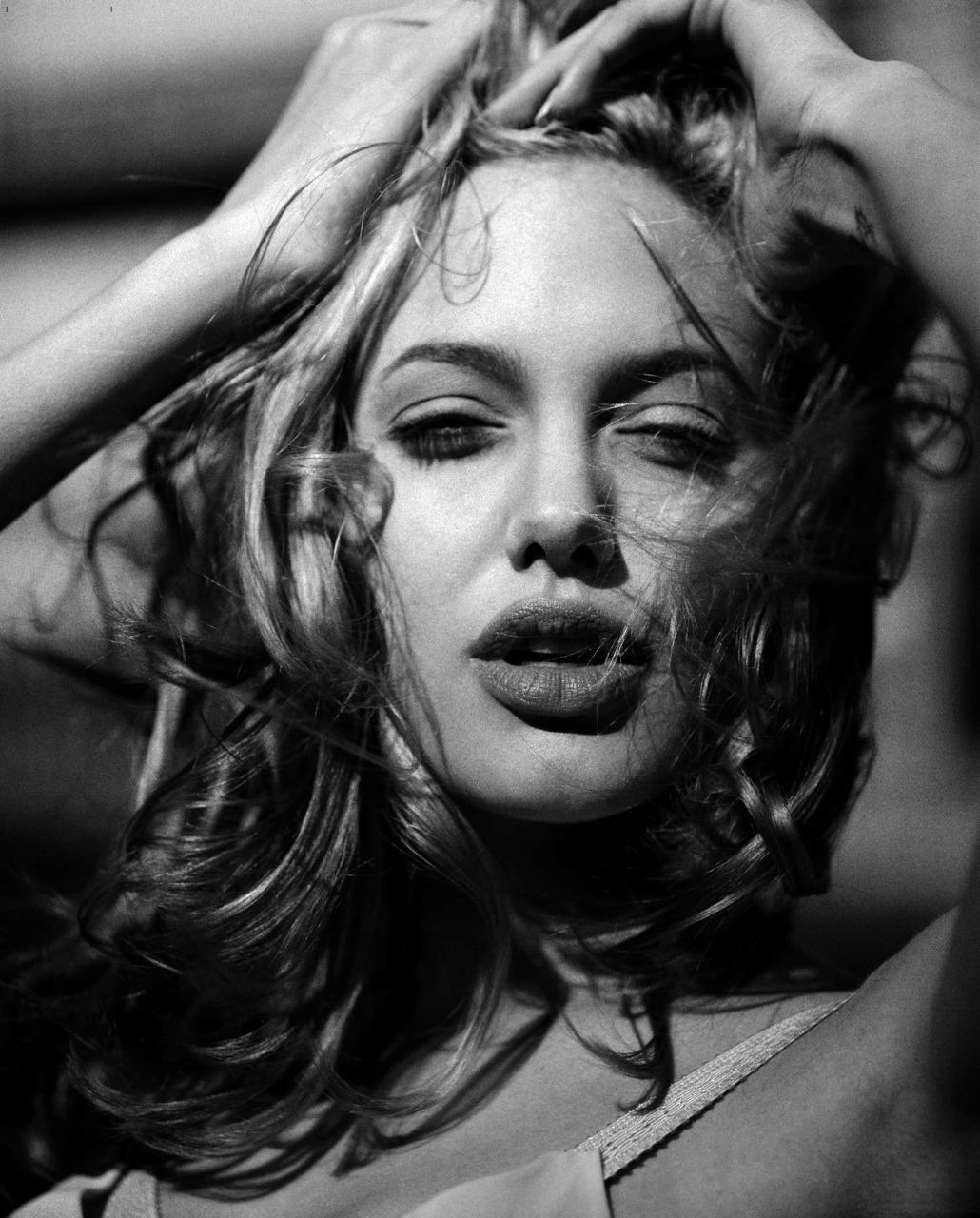 suicideblonde:  Angelina Jolie photographed by Max Vadukul in 1997