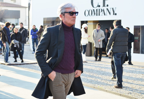 Pitti Uomo 81 Grey fox - although the whole outfit is spot on, the grey hair + mauve cable knit turtleneck combo is outstanding…