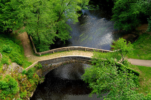 Old stone bridge in Burgundy, France (by Edgard.V)