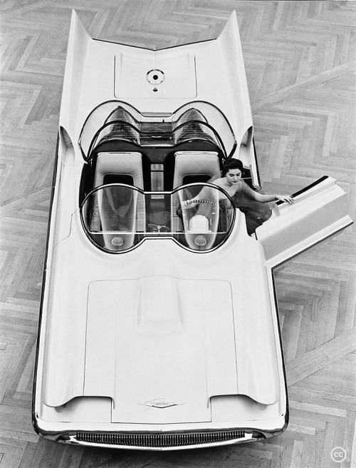 "chailatteplease:  theniftyfifties:  The Futura Concept Car, 1954.  Via Wiki: ""The Lincoln Futura was a concept car designed by the Lincoln division of Ford Motor Company. It was built by Ghia entirely by hand in Italy at a cost of $250,000 and displayed on the auto show circuit in 1955. In 1966 the car was modified by George Barris into the Batmobile, for the 1966 TV series Batman."""