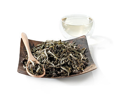 Body + Mind White Tea.  A romance of the senses indulged with a soft bouquet of jasmine and  orchid      scents released from these three amazing teas. Nothing short  of an aromatic     masterpiece, this triple tea blends the Buddhist legendary Monkey Picked       Oolong, with Jasmine Pearls green tea,  and white Silver Needle tea creating a   perfect floral aroma and taste  of jasmine and orchid. Uplifting to the body,    soothing to the mind  and soul with sweet notes that intertwine and enlighten. Fragrant orchid infusion with jasmine undertones.