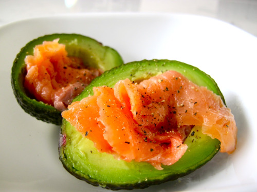 dont-think-just-eat:  Avocado with Smoke Salmon and pinch of pepper <3
