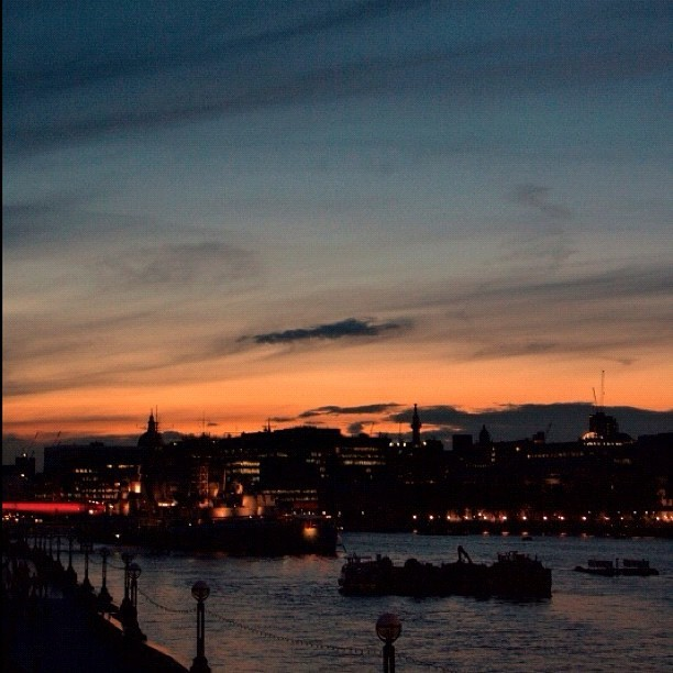 #london #sky #sunset #landscape (Taken with instagram)