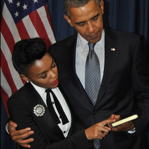 wildunicornherd:  Janelle Monáe meets Barack Obama. fuckyeahjanellemonae:    IT TURNS OUT THIS IS EVERYTHING I EVER WANTED IN LIFE.