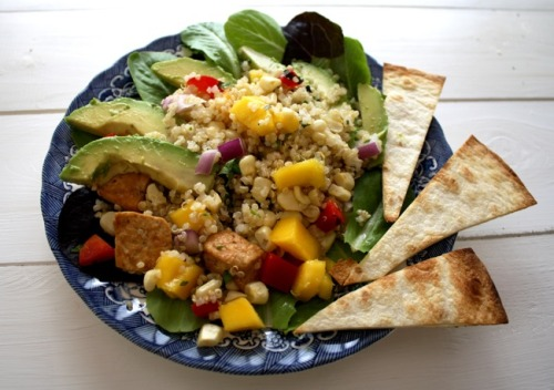 justwanttobehealthyandfit:  Quinoa Taco Salad with Tofu, Mango, Avocado and Lime  (click photo for recipe)   Looks really good. I might use black beans instead of tofu.