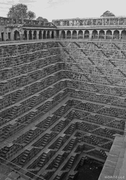 decadentia:  water well in India  Chand Baori