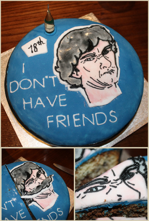 sherlockbbc:  rhavia:  So this was my friend's request for her birthday cake. :') I REGRET NOTHING.  B E S T