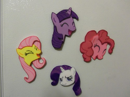 The last of the BroNYCon wares. Smaller foam magnets. Huzzah.