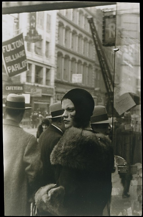 liquidnight:  Walker Evans Girl in Fulton Street, New York, 1929 Gelatin silver print [From the Metropolitan Museum of Art]