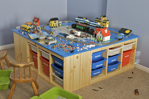 Christmas LEGO Table by rb3wreath on Flickr.
