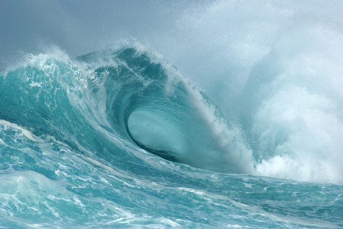 cravethe-waves:  Power by simplemanhawaii on Flickr.