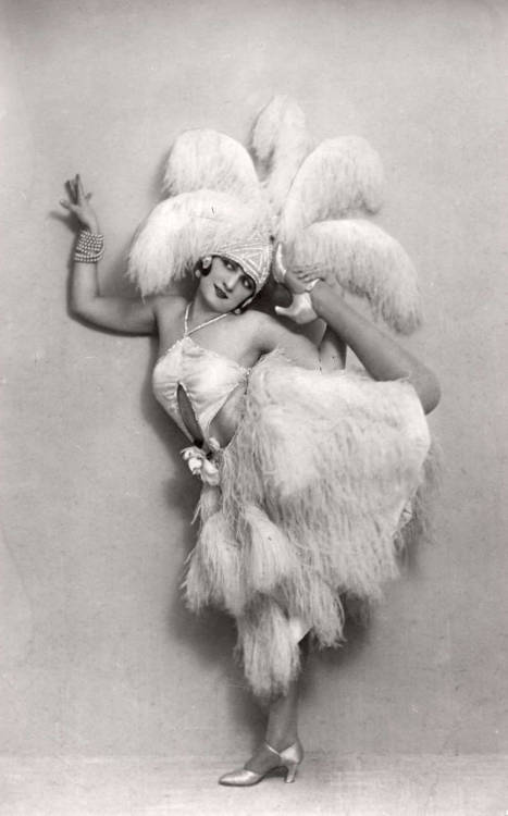 sisterwolf:  Dancer, c1920s