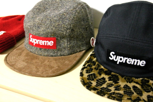 onlycoolstuff:  supreme caps   (via imgTumble)