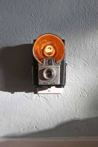 Vintage Camera Nightlight | Instructables I have terrible night vision. I rarely drive late at night as I find it really hard to see the lines on the road, other cars, etc. I'm usually OK in my house because after living here for 7 years, I'm pretty sure I could navigate it blindfolded! But some nights on th way to the bathroom I find myself banging and bumping into walls and wishing I had something to guide me… like this little vintage camera nightlight! Part arty, part handy, it would be my perfect 'guiding light'. Now to find a cheap lovely camera that I won't mind taking apart…