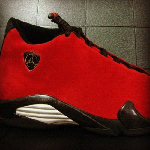 Red suede XIV sample