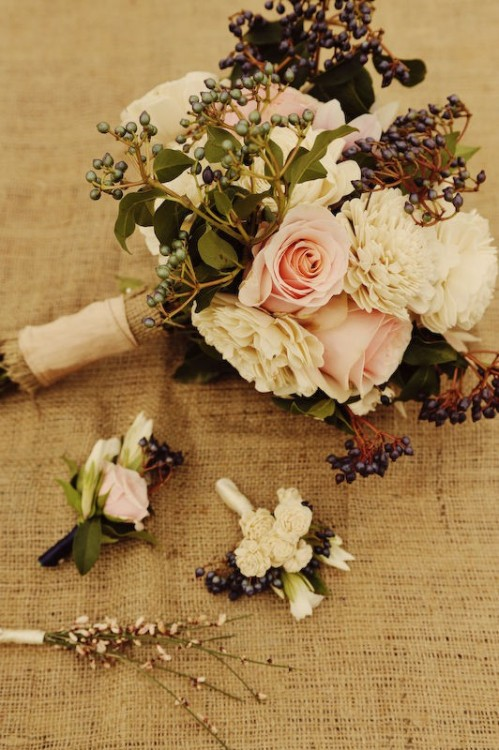 The soft colors in this bouquet would be perfect for an early March wedding when the first hints of spring are appearing. {source via Pinterest} With a wink and a smile, Ellie