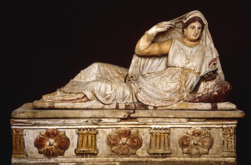 triglifos-y-metopas:  Painted sarcophagus of Seianti Hanunia Tlesnasa Chiusi, Itlay 150-140 B.C. [British Museum]  how so rad, Etruscans? <3
