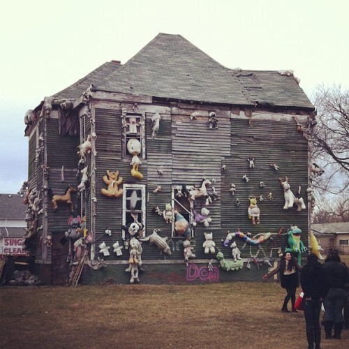 Teddy bear house at Heidelberg Project #heidelberg #detroit #michigan #igersdetroit #iphoneography (Taken with instagram)