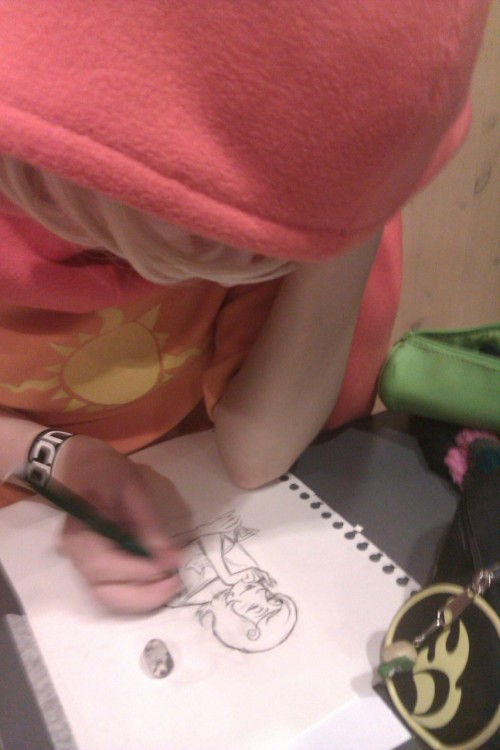 heirterosexual:  rose drawing a pinup of her mother  What would Freud say