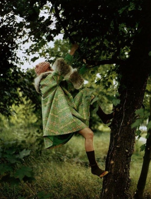 """Passage en Revue"" Valerie Sipp by Jan Welters for Jalouse September 2002"