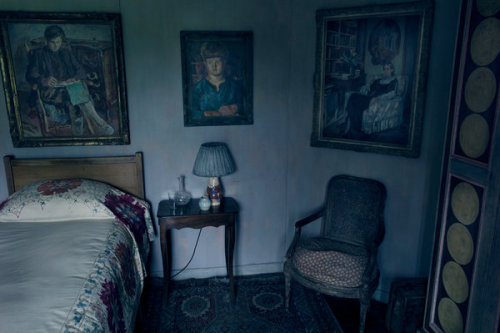 waxolotl:  virginia woolf's bedroom in her country home, few miles from charleston, england annie leibovitz - pilgrimage / the new york times