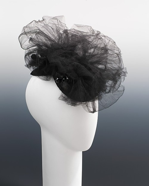 omgthatdress:Hat, Elsa Schiaparelli, 1940, The Metropolitan Museum of Art
