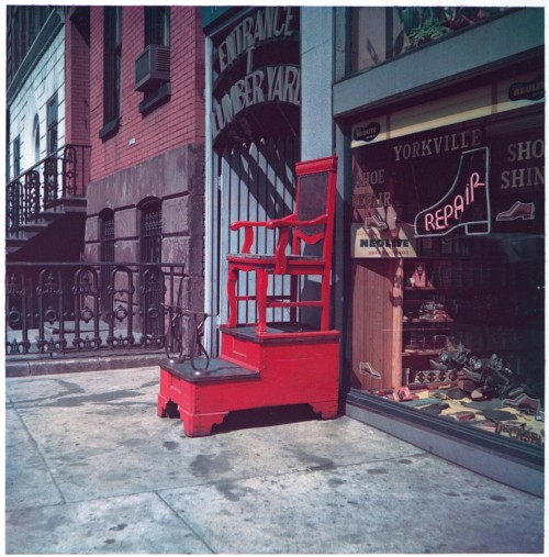 heracliteanfire:  Sidewalk Shoeshine Chair, 347 East 86th Street, New York City. Walker Evans, March 23, 1953 (via The Metropolitan Museum of Art)