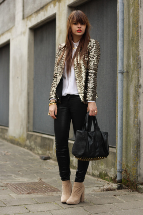 |style| Sequined Blazer. A casual day will can never stop us from just being so glamorous.