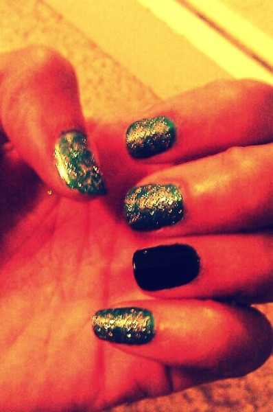 i love doing nails <3