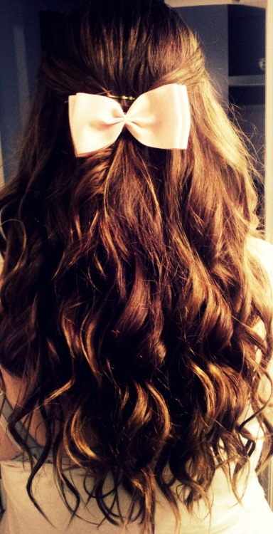 legitandbrokenhearted:  legittheaterbitch:  This is my hair. :)
