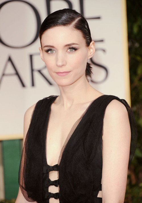 Rooney Mara - 2012 Golden Globes the beauty of simplicity!