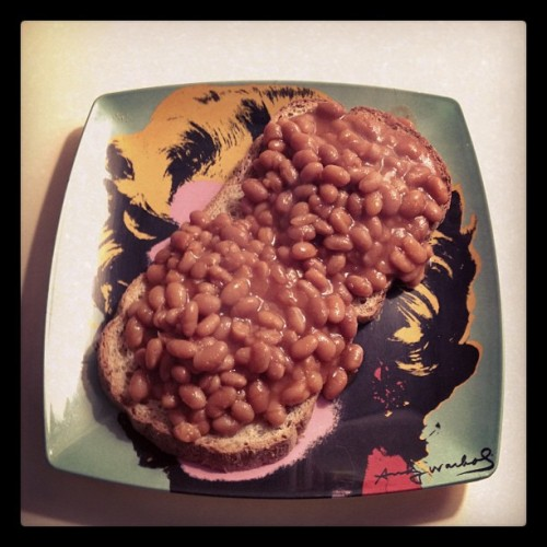 beans on toast. america, you need to get with this british standby. SO GOOD. mourningnoir:  homemade beans and toast  toast, beans, agave, tomato paste, mustard seed, onion, salt, pepper, garlic. figure it out, its easy